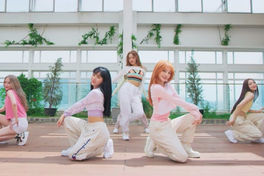 Watch: Producer Ryan Jhun's New Girl Group bugAboo Covers BLACKPINK, TWICE, (G)I-DLE, Girls' Generation, And More