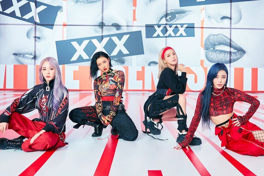 """MAMAMOO Tops iTunes Charts Around The World With """"Reality In BLACK"""""""