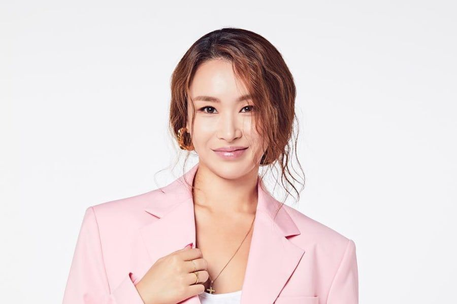 """Update: Bae Yoon Jung Rounds Out """"Produce X 101"""" Celebrity Trainer Lineup 