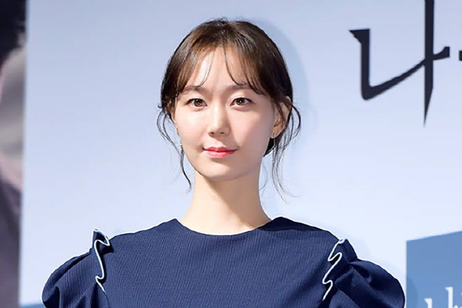 Lee Yoo Young's Agency Gives U...