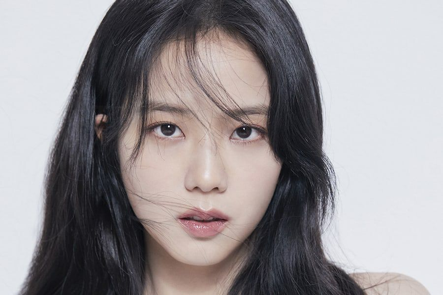 BLACKPINK's Jisoo Shines In New Profile Photos For Acting Career