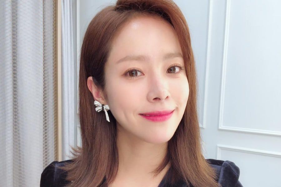 Han Ji Min Shares Why She Doesn't Like One Of Her Old Films Anymore + Her Scary Movie Picks