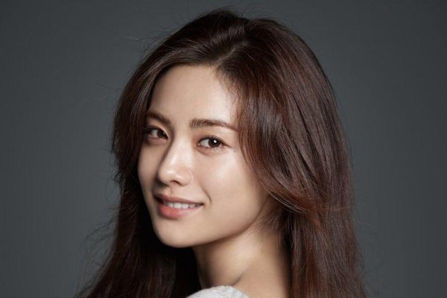 Se reporta que Nana estaría considerando el papel principal en próximo drama de KBS