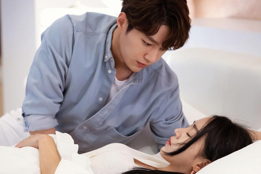 "INFINITE's L Tenderly Watches Over Shin Hye Sun In ""Angel's Last Mission: Love"""