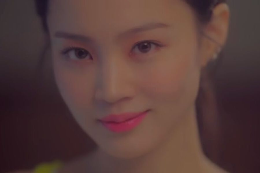 """Lee Hi Soars To Top Of Major Realtime Charts With """"No One"""" Featuring iKON's B.I"""
