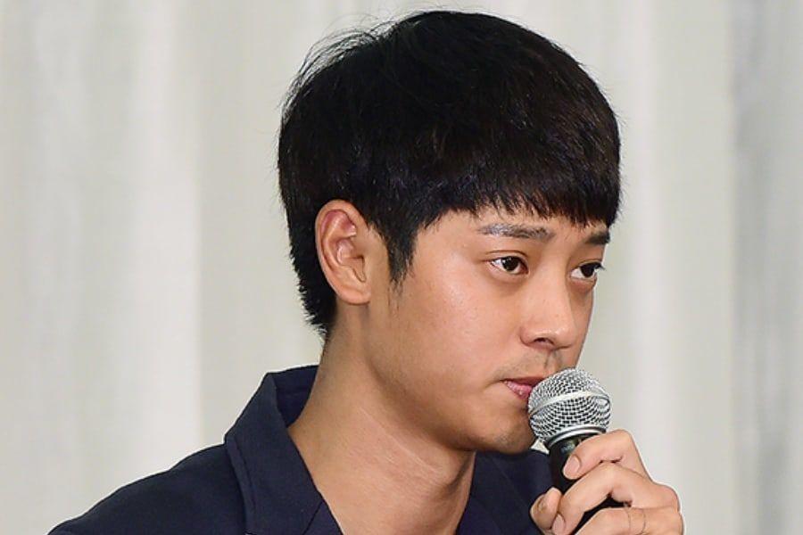 La policía registra y toma la compañía que recuperó los datos de la sala de chat del teléfono de Jung Joon Young