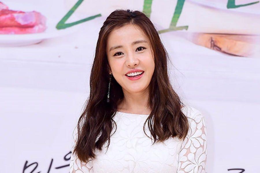 Park Eun Hye Announces Divorce From Husband | Soompi