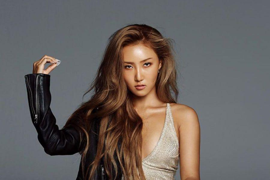 MAMAMOO's Hwasa Talks About How She Overcomes Anxiety