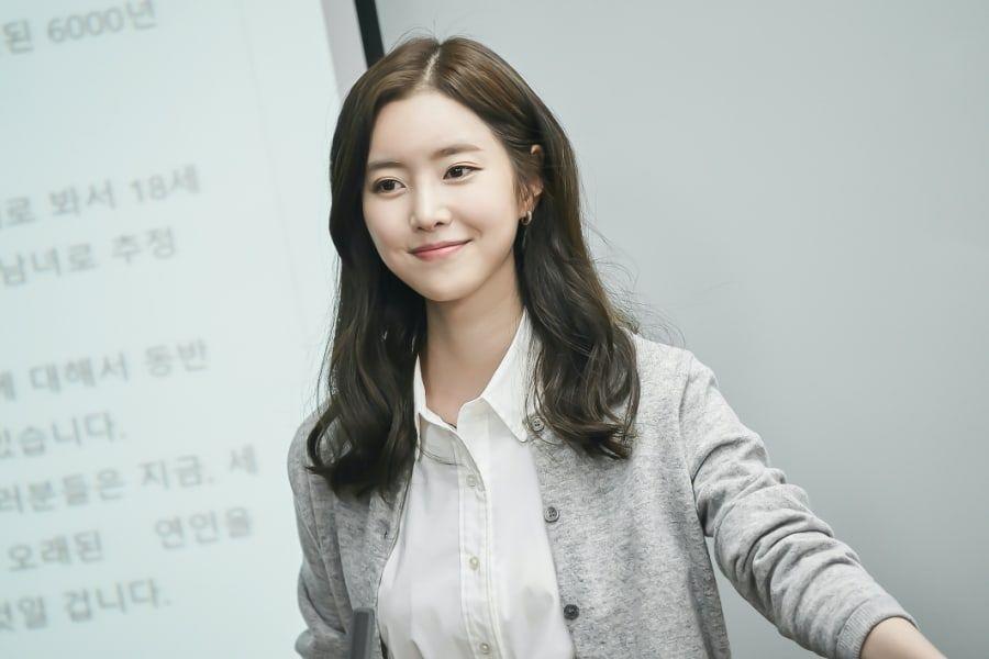 4 màn cameo khét lẹt của cô em quốc dân IU: Hết làm vợ khùng nam Điên Thì Có Sao tới hẹn hò Lee Min Ho mỗi thứ Sáu! - Ảnh 9.