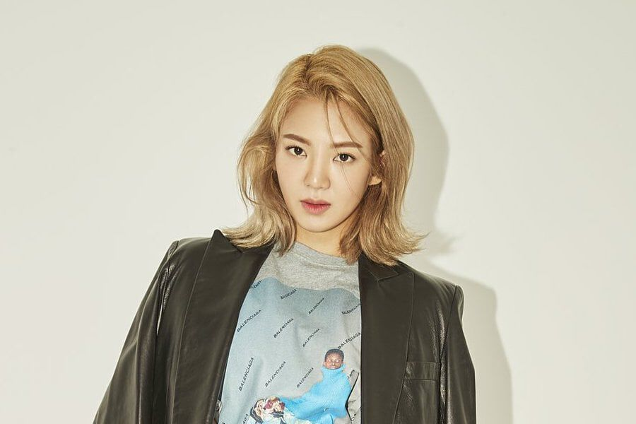 """Girls' Generation's Hyoyeon Announces Upcoming Comeback As DJ HYO With """"Badster"""""""