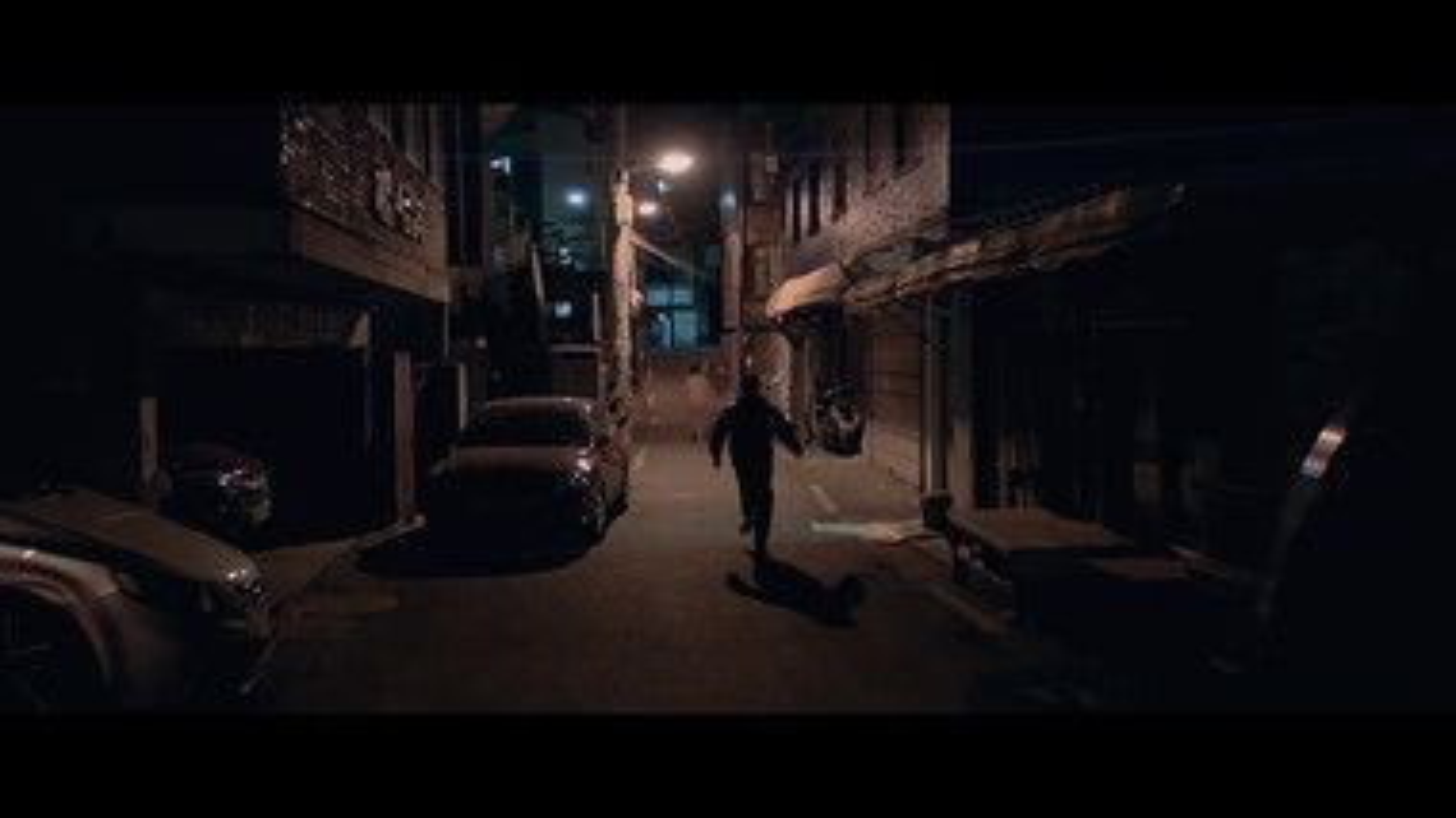 Trailer 2: Alone