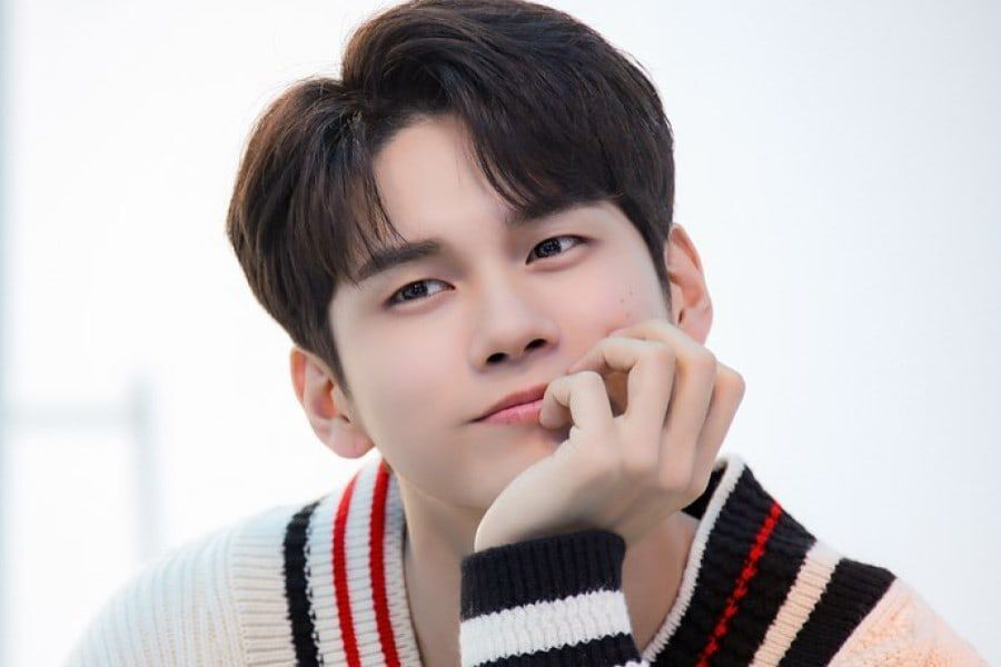 "Ong Seong Wu To Give Behind-The-Scenes Look At His Life On ""The Manager"""