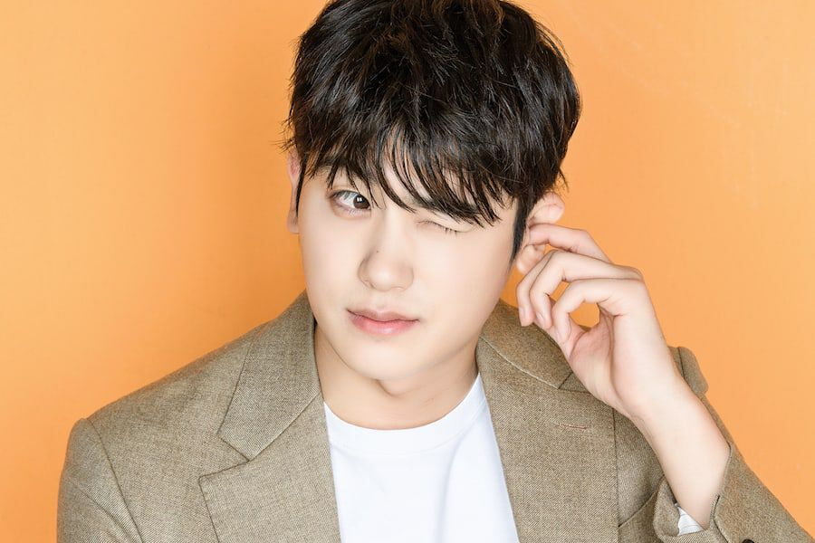 Park Hyung Sik Confirms Military Enlistment Date