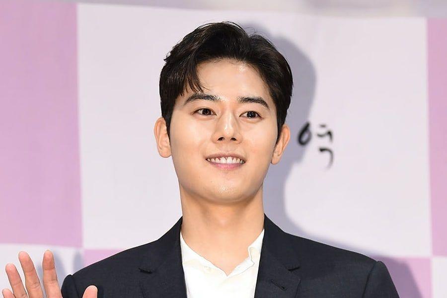 Kim Dong Jun Announces Military Enlistment