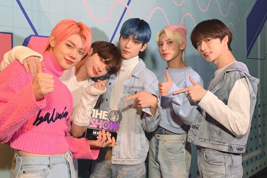 "Watch: TXT Wins With ""Blue Hour"" On ""The Show""; Performances By PENTAGON, LOONA, VERIVERY, And More"