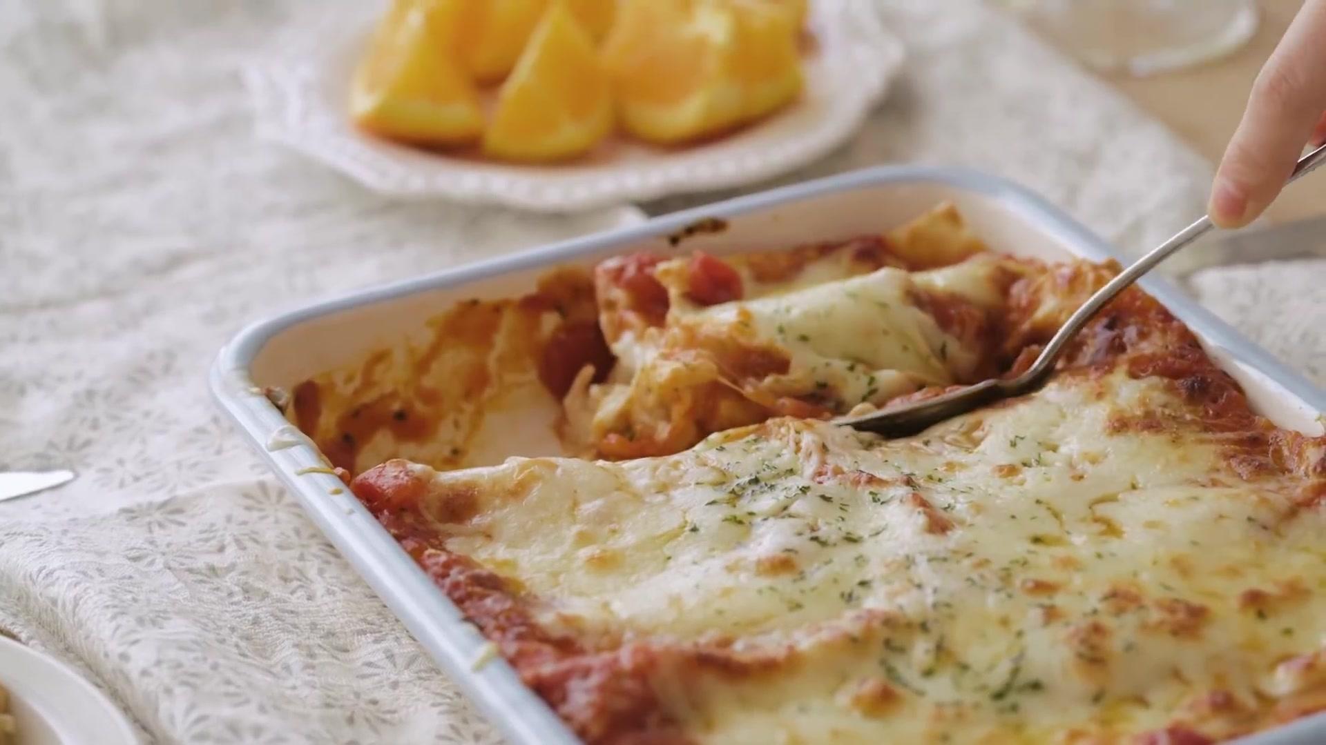 Honeykki Episode 169: Chicken and Ricotta Lasagna Rollups
