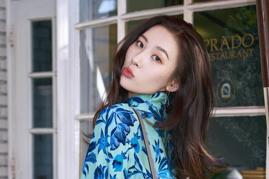 Sunmi Announces Her Return To Twitter With New Account And Lets Her