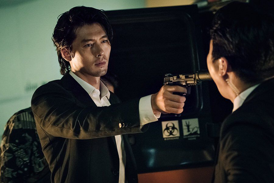 Director Of Hyun Bin's New Film Praises Him And Talks About Seeing Him As A Villain