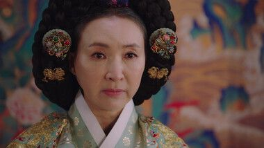 Queen: Love and War Episode 12