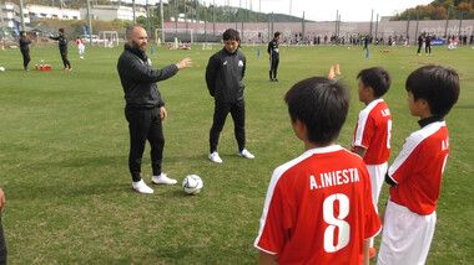 Iniesta TV: Football Lessons Episode 1: Iniesta's Methodology #1