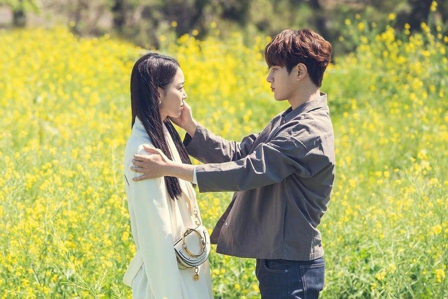 "Shin Hye Sun And INFINITE's L Share Emotional Moment In Flower Field In ""Angel's Last Mission: Love"""
