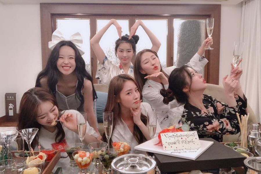 Dal Shabet Reunites For Fun Pajama Party To Celebrate 8th Debut Anniversary