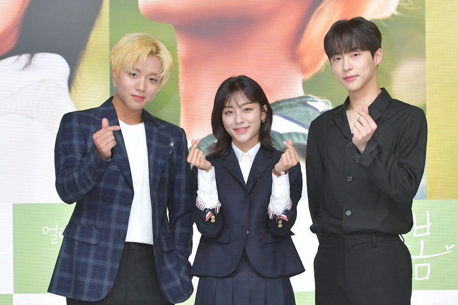 """""""At A Distance Spring Is Green"""" Cast Rate Their Chemistry + Park Ji Hoon And Kang Min Ah Talk About Starring In First Public Broadcast Channel Drama"""