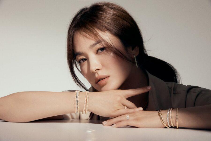 """Song Hye Kyo es confirmada para protagonizar nuevo drama de la guionista de """"Descendants Of The Sun"""" Kim Eun Sook"""
