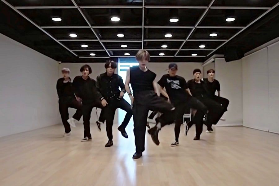 """Watch: ATEEZ Wows With Sultry Dance Practice Video For """"Deja Vu"""""""