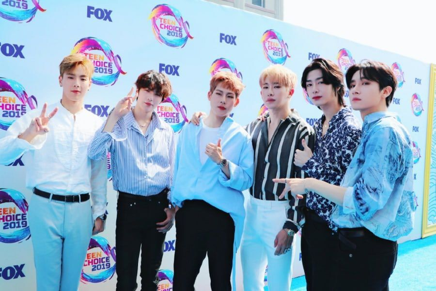 Watch: MONSTA X Performs At 2019 Teen Choice Awards And Meets Charlie Puth