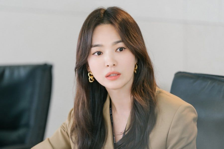 Song Hye Kyo Transforms Into A Stylish Career Woman In Upcoming Romance Drama