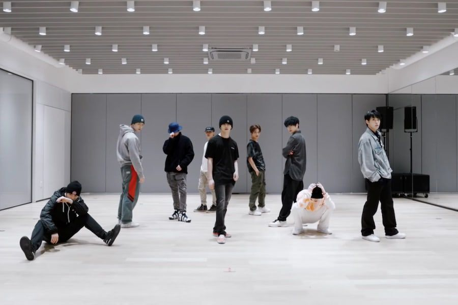 """Watch: NCT 127 Puts The Focus On Their Exceptional Moves In """"Kick It"""" Dance Practice Video"""