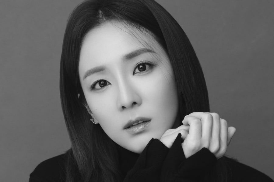 Sandara Park Joins Sunmi And GOT7's BamBam In Abyss Company