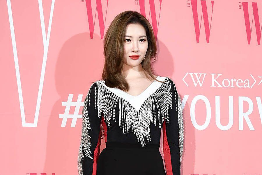 Sunmi's Agency Sues 12 Individuals For Defamation And Malicious Comments