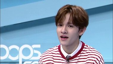 Pops in Seoul Episode 3945: K-pop INSIDER ! What's Inside Samuel (사무엘)'s bag