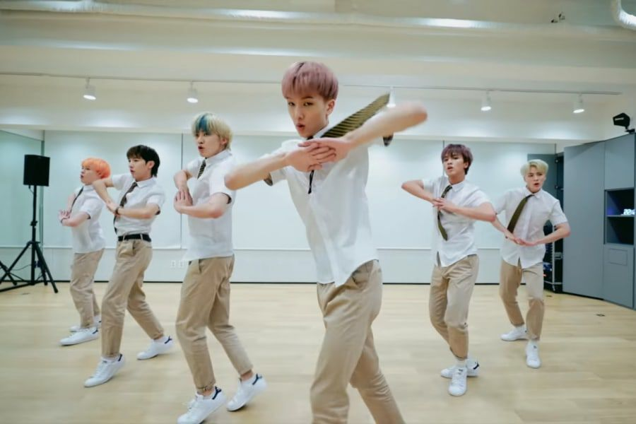 "Watch: NCT Dream Celebrates 3rd Anniversary With School Uniform Dance Video For ""Boom""; Trends Worldwide On Twitter"
