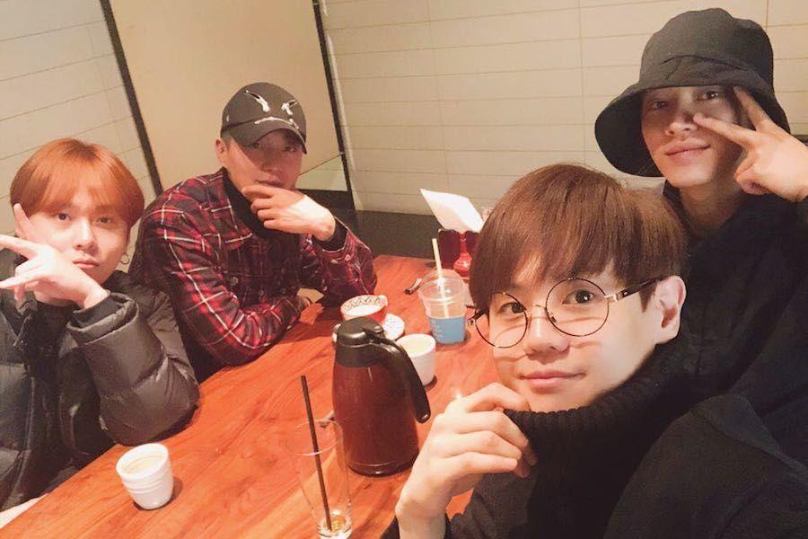 Yoon Doojoon se reúne con los integrantes de Highlight mientras está en el ejército + Comparte carta para sus fans
