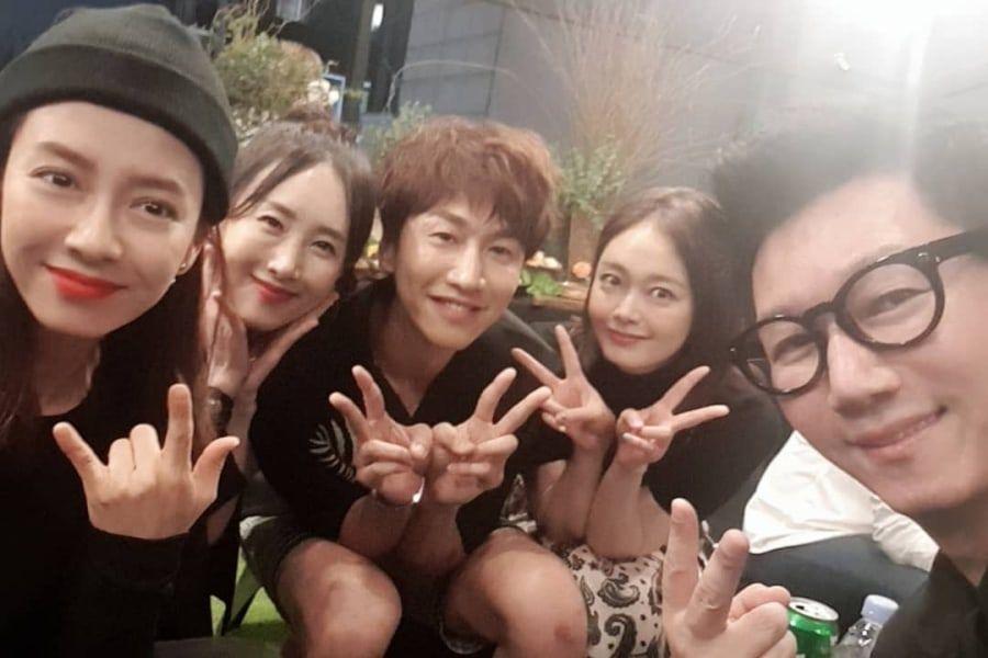 Song Ji Hyo, Lee Kwang Soo, Jun So Min, And Ji Suk Jin Show Their Love At HaHa's Store Opening