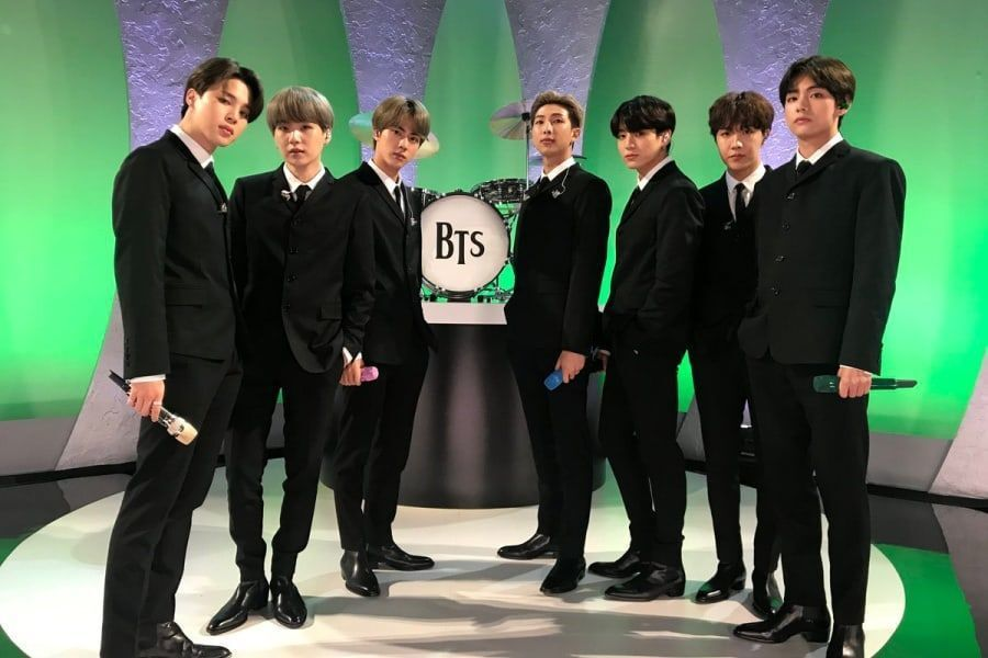 "BTS interpreta ""Boy With Luv"" y rinde homenaje a The Beatles en ""The Late Show With Stephen Colbert"""