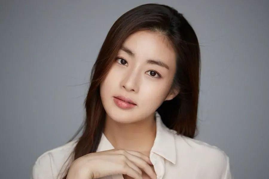 Kang Sora da la bienvenida a su primer hijo