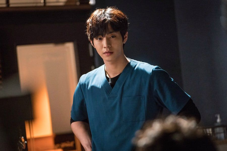 "Reasons Why Viewers Are Captivated By Ahn Hyo Seop In ""Dr. Romantic 2"""