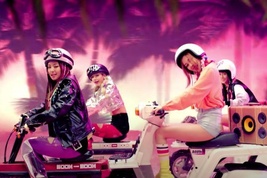 "BLACKPINK's ""BOOMBAYAH"" Becomes 1st K-Pop Debut MV To Reach 1 Billion Views"