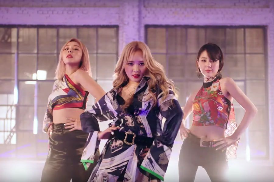 "Watch: Ladies' Code Is Full Of Confidence And Sass In Long-Awaited ""Feedback"" Comeback MV"