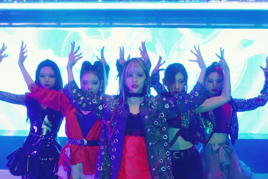 """Watch: ITZY Gets """"LOCO"""" For Love In Bold And Colorful Comeback MV"""
