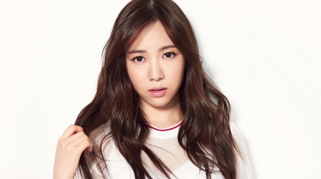 Kwon Mina (AoA's Min A)