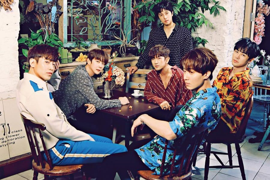 Shinhwa Talks About Promoting Together For 20 Years And Shares Advice For Younger Idols
