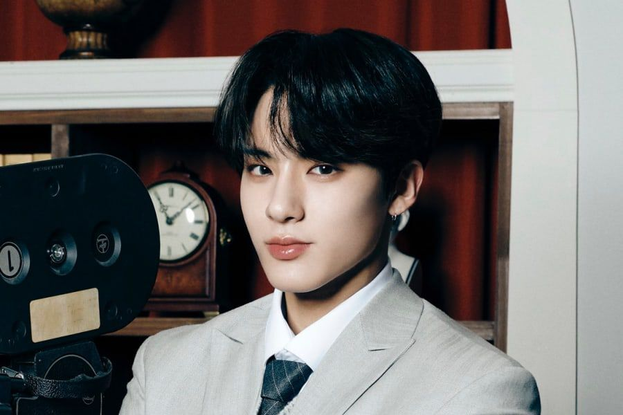 The Boyz's Eric Apologizes For Not Wearing Mask While Out With Friends; Agency Warns It May Take Legal Action Against False Rumors