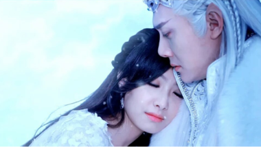 Victoria Song and Feng Shao Feng's First Kiss: Ice Fantasy