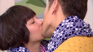 Zheng Yang and Xin Kui's road kiss: I Do 2