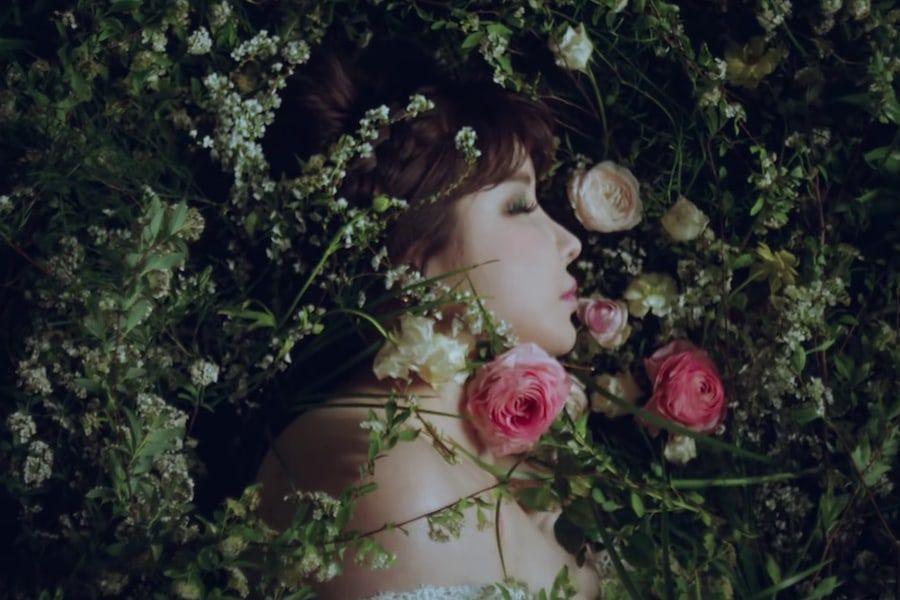 """Park Bom llega a lo más alto de las listas internacionales de iTunes con """"Spring"""""""